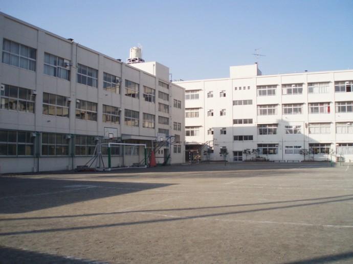 新田中学校プール